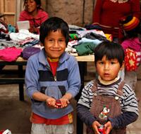 Det gäller att se till att de fattiga barnen har möjlighet att gå i skolan.